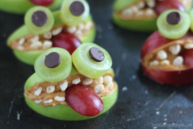 20 Low Sugar Recipes to Make this Halloween | Raising Sugar Free Kids - a round-up of 20 low sugar recipes perfect for getting through sugar a sugar-laden season with your sanity intact as a parent! :)