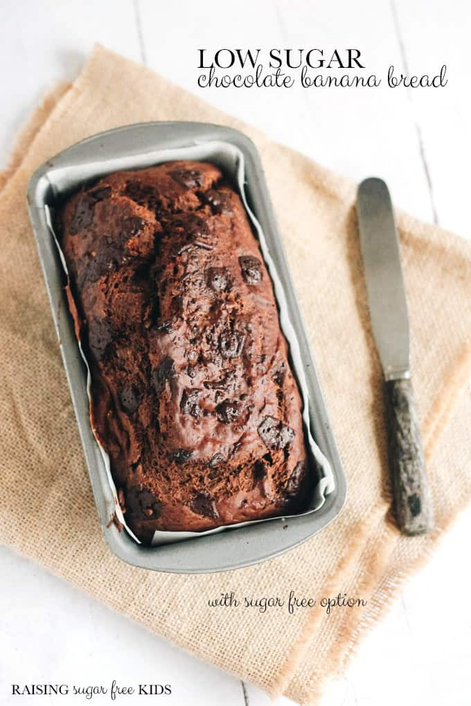 (Very) Low Sugar Chocolate Banana Bread | Raising Sugar Free Kids - although it comes with a completely added sugar free option, this recipe still only has 0.5g (1/8 of a teaspoon) of added sugar per serving! It is moist, delicious, naturally sweet and really easy to make. It's a great low sugar family baking project, and it's very easy to freeze. #sugarfreejanuary #sugarfree #chocolate