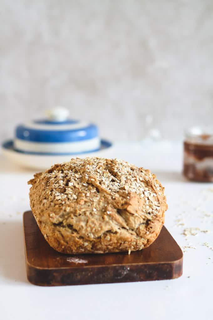 How to Make Healthy No-Knead Bread with Basically No Effort | Add Some Veg - this healthy wholegrain bread couldn't get any easier. 6 ingredients, a hands off 90 minutes from start-to-finish, resulting in a vegan, low gluten, sugar free delicious soft sandwich-ready bread. #sugarfree #addsomeveg #bread #easybaking
